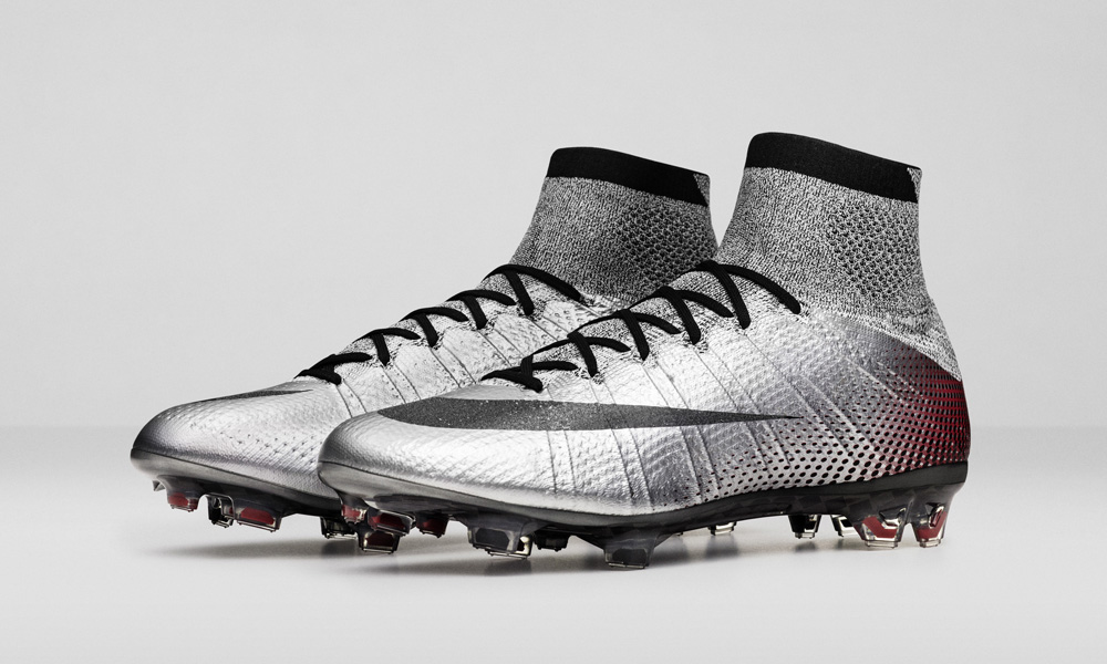 Nike_SP16_Superfly_CR7_slvr_PAIR_view_06_V2_47931